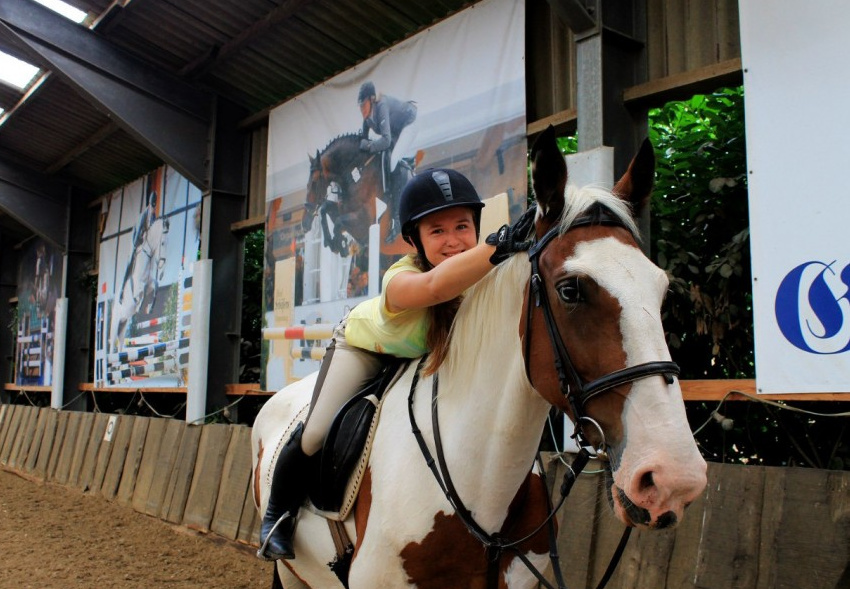 Pferdeland - Girls-only Equestrian Training Camp Osnabrueck